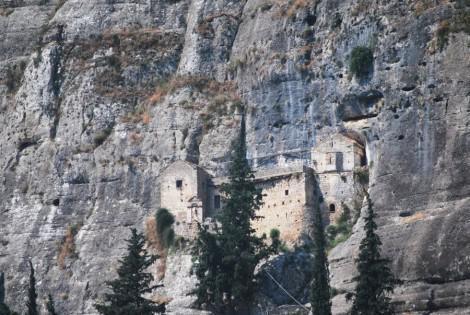 Παναγιά του Βράχου στη Νεμέα – Μία εντυπωσιακή εμπειρία